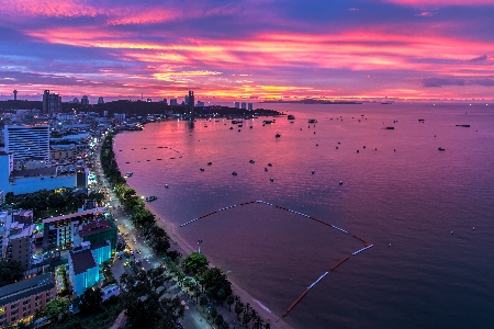 c3d6a6552162 Tourists flock to Pattaya beach in Thailand